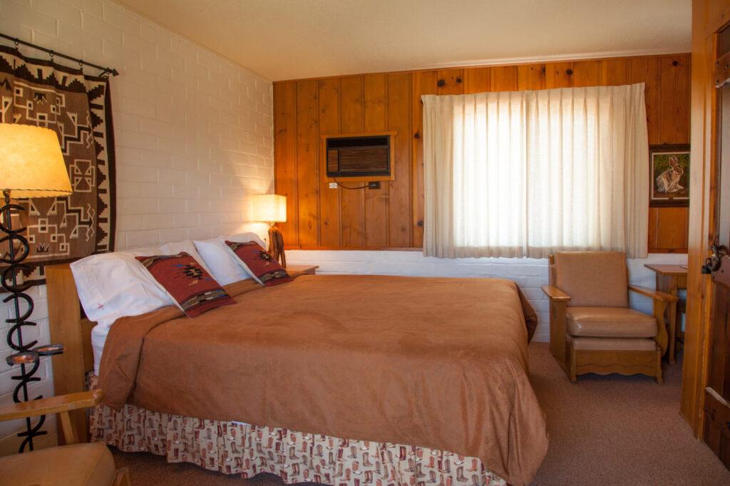 Lodge-Room-King #1-8